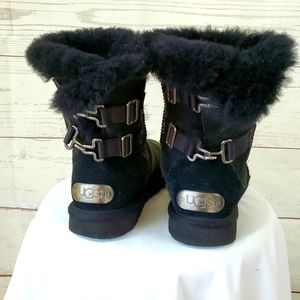 UGG black suede hook buckle back warm short boots